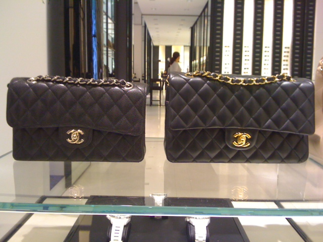 ded355f62 Bolsa de Valores ($$$): quanto custa a Chanel classic flap média e grande  (Post atualizado)