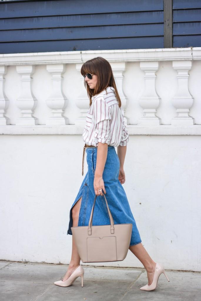 ejstyle-emma-hill-wears-zara-denim-a-line-button-midi-skirt-zara-70s-stripe-shirt-nude-pointed-court-shoes-mango-beige-tote-bag-tan-suede-gold-chain-belt-ootd-street-style