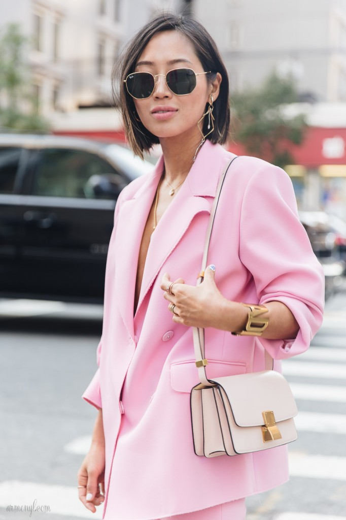 The-Best-pink-street-style-looks-and-pink-pantsuits-at-New-York-Fashion-Week-ss-2018-photo-by-street-style-photograper-Armenyl-6